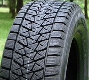 Bridgestone Blizzak DM-V2 265/70R16 112R