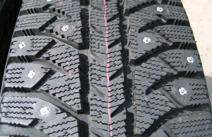 Bridgestone Ice Cruiser 7000 195/60R15 88T