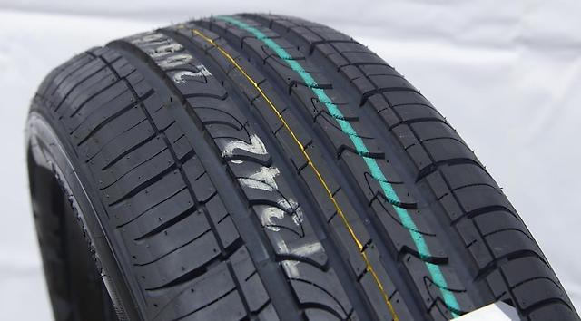 Roadstone CP672 225/60R17 98H