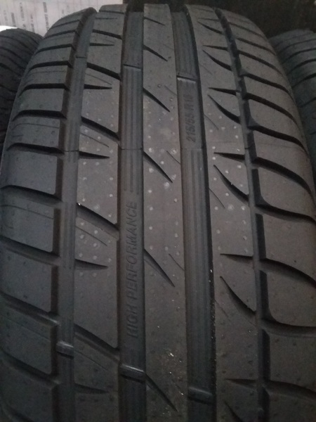 Taurus High Performance 225/55R16 95V